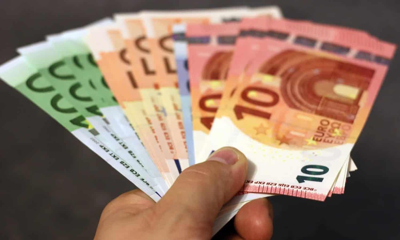 Handpan kaufen, Geld in Hand