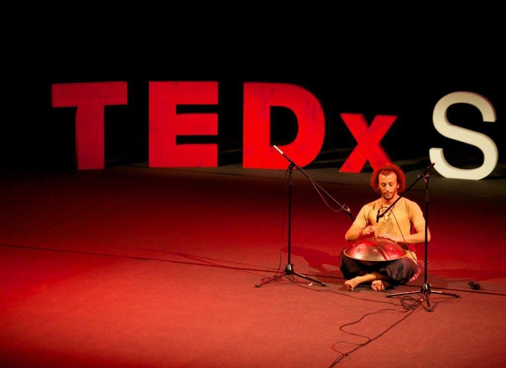 Davide Swarup bei TEDx Konferenz