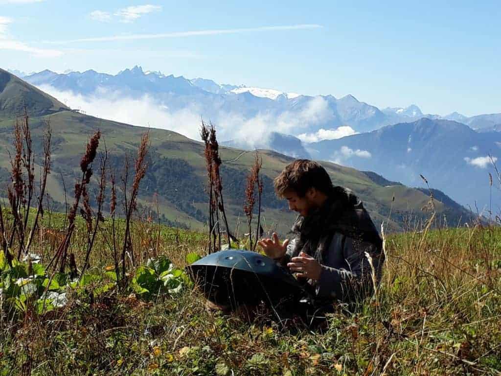 Tom Vaylo Handpan Videodreh französischen Alpen