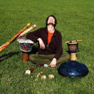 Handpan Mystic Flow a.k.a. Fabian Küpper mit seinen Instrumenten