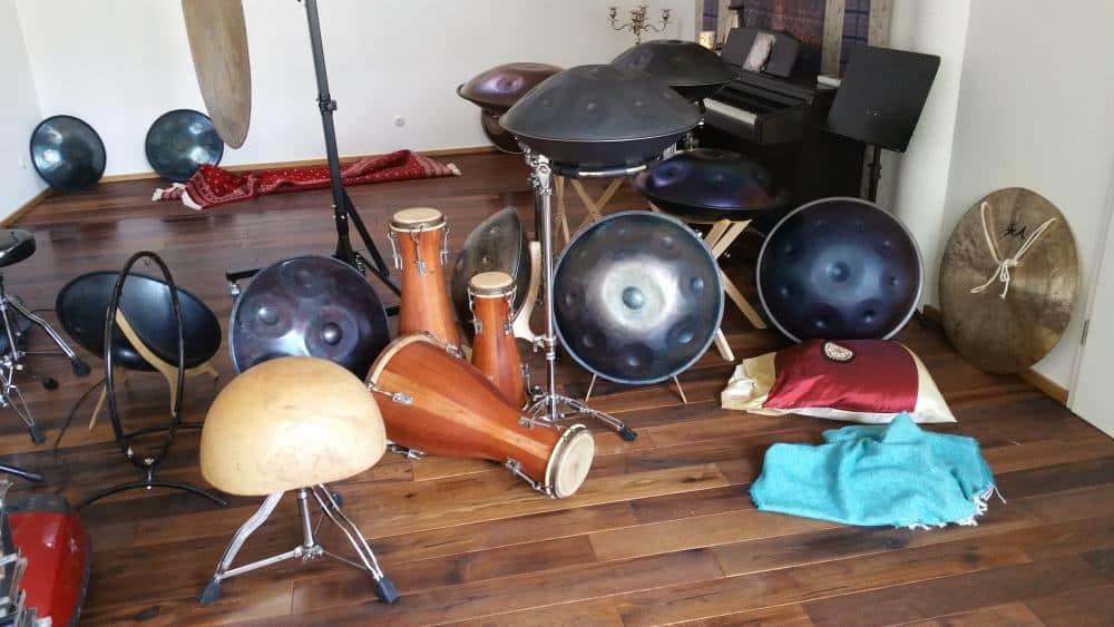Petra Eisends Instrumente und Handpan Sammlung