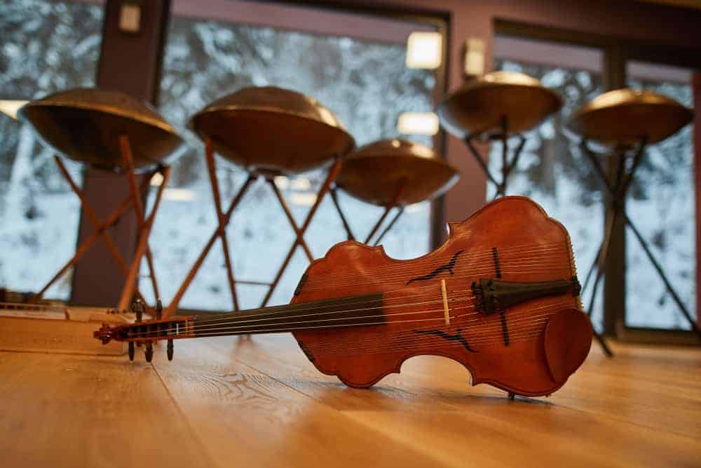 Spherical violin and OMana handpans