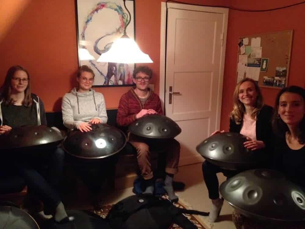 Handpan-Workshop von Louis