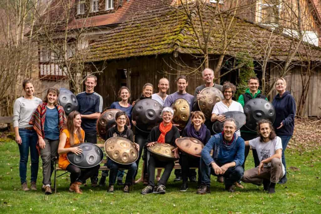 Yatao Handpan Workshop Gruppenfoto